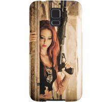 Aggressive Young woman of 24 with automatic rifle  Samsung Galaxy Case/Skin