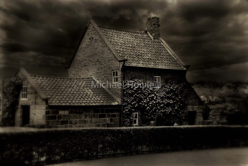 Cptn Cooks cottage by KeepsakesPhotography Michael Rowley