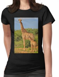 Giraffe Love - Mom is the Best Womens Fitted T-Shirt