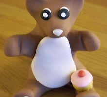 Cupcake Bear by hollycannell