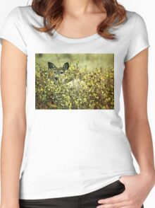 Deer in brush Women's Fitted Scoop T-Shirt
