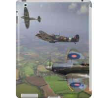 303 Squadron Spitfire sweep (cropped version) iPad Case/Skin