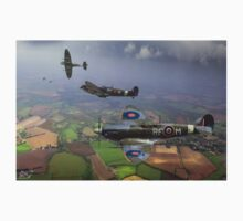 303 Squadron Spitfire sweep (cropped version) T-Shirt