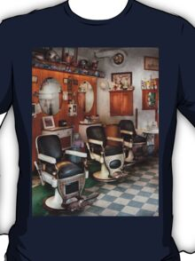 Barber - Frenchtown Barbers  T-Shirt