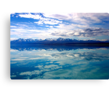 New Zealand lake and mountains landscape Canvas Print