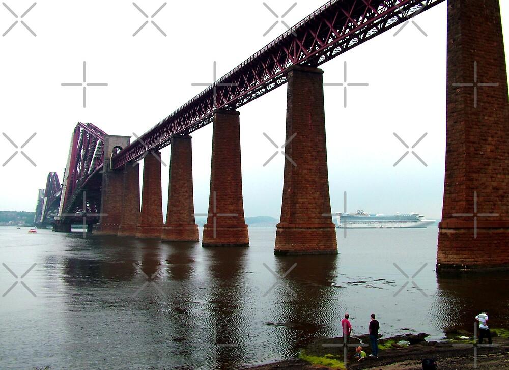 Forth Rail Bridge by Tom Gomez