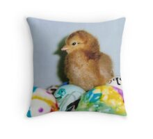 red chick on eggs Throw Pillow