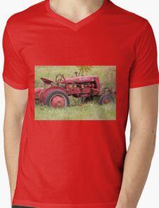 Old Red Mens V-Neck T-Shirt