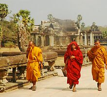 monks at angkork wat by Amagoia  Akarregi