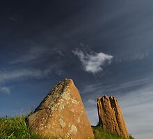 Auchagallon Cairn and Stone Circle - 3 by Richard Ion
