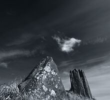 Auchagallon Cairn and Stone Circle - 4 by Richard Ion