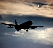 Airliner landing approach by Alistair Balharrie