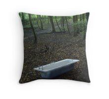 al fresco bathing Throw Pillow