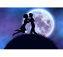 Couple silhouette in the night Photographic Print
