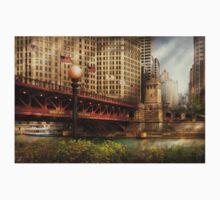 Chicago, IL - DuSable Bridge built in 1920  Kids Tee