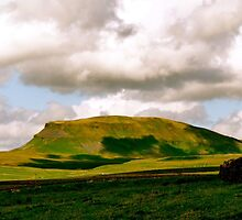 Pen-y-Ghent by chriscroxall