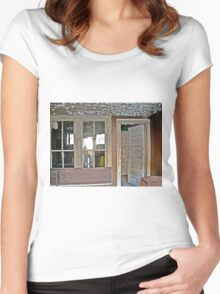 A Nice Recliner Women's Fitted Scoop T-Shirt
