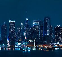 Manhattan Night by andykazie