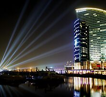 Dubai Intercontinental Hotel at night by shaunji
