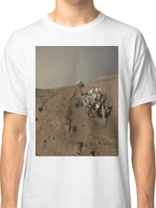 Mars Rover Curiosity Takes A Selfie - Planet Mars Classic T-Shirt