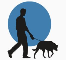 DOG WALKING MOON  Kids Tee