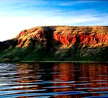 Lake Argyle Cliffs by Larry149