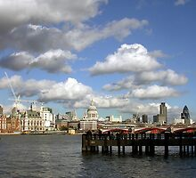 Thames by frankmedrano