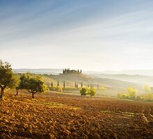 Misty sunrise in the Val D'Orcia, Tuscany by Justin Foulkes