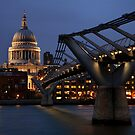 Millenium Bridge to St Pauls by Scott Harding