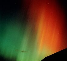 Intense red & green aurora by Duncan Waldron