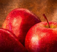 Three Red Apples by luckypixel