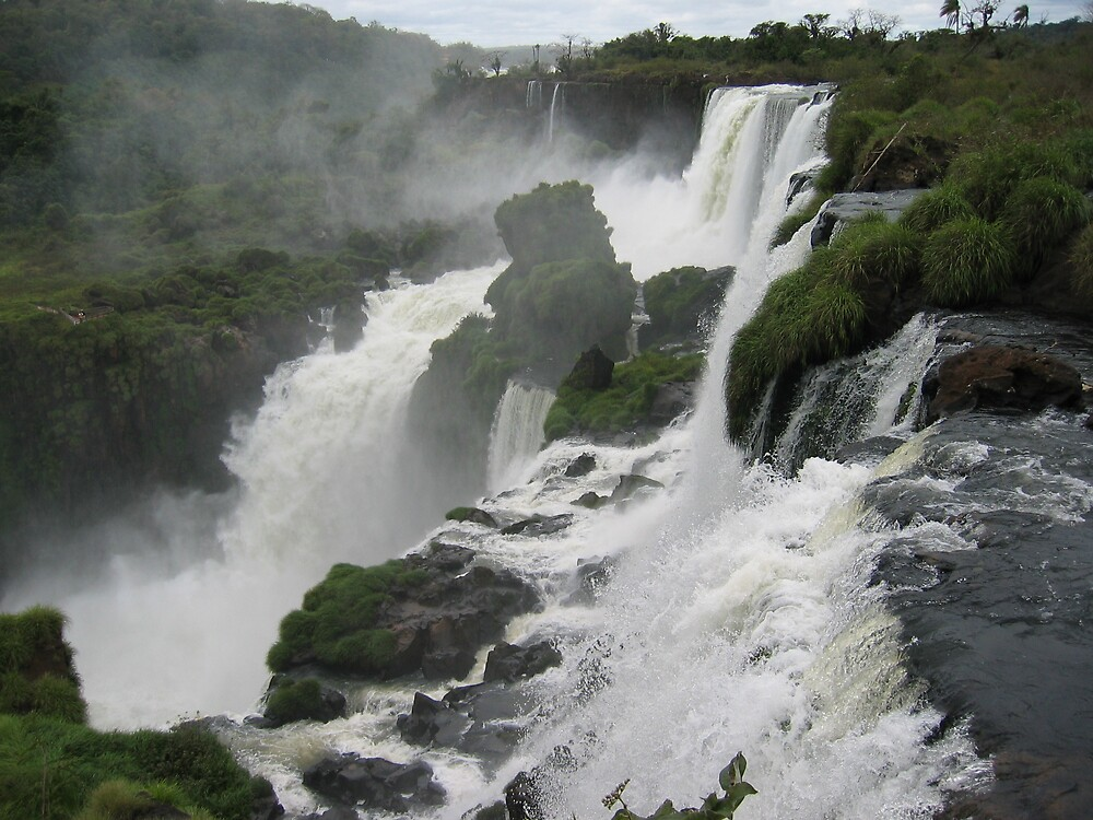 Iguacu - Brazil by Graham Ettridge