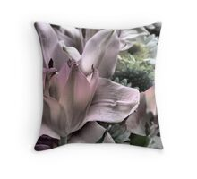 Flowers for Mum Throw Pillow