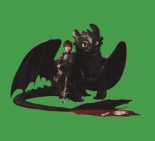 toothless with hiccup T-Shirt