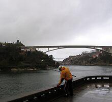 Pescador no Douro by Luis Raposo