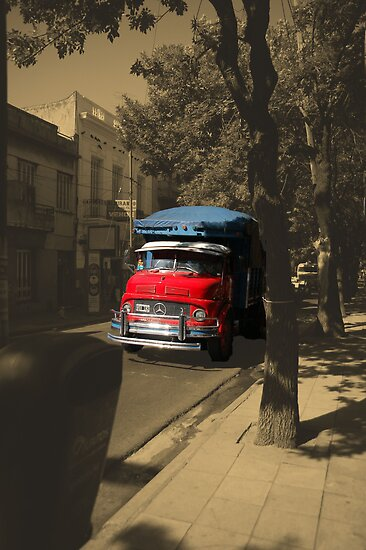 red truck by rrutten