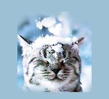 Snow Cat  T-Shirt