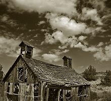 Shaniko Barn in black and white by Bryan Peterson