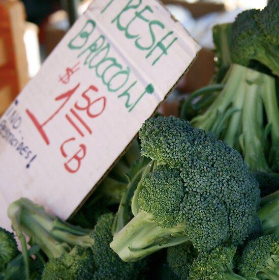 Fresh Broccoli by randomoasis