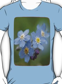 Close-up Forget Me Not - Blue Myosotis T-Shirt