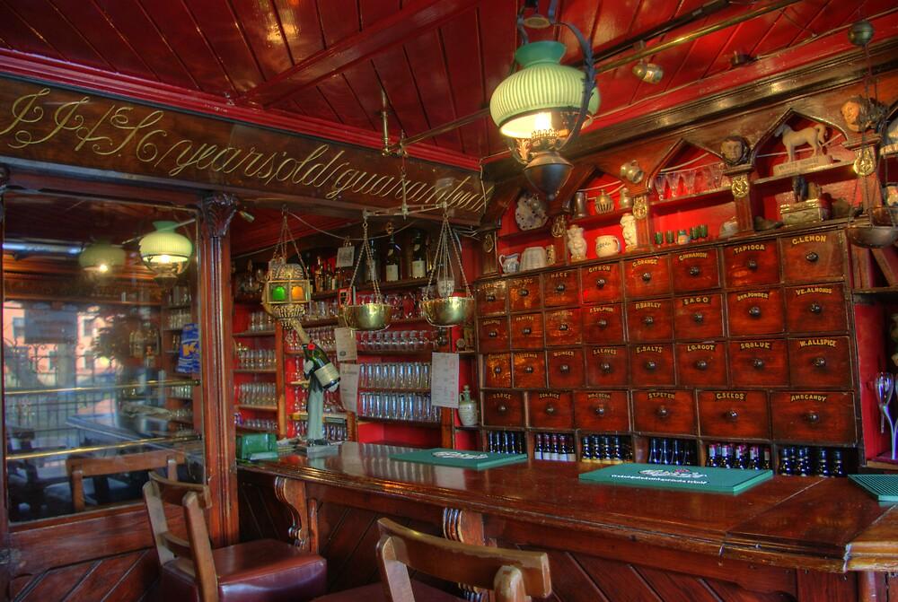 tynans bridge house bar interior old pub in kilkenny. Black Bedroom Furniture Sets. Home Design Ideas