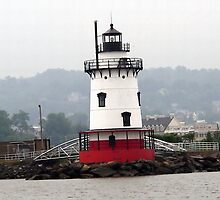 Tarrytown Lighthouse Closeup by Wanda  Mascari