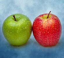 Green And Red Apples by luckypixel