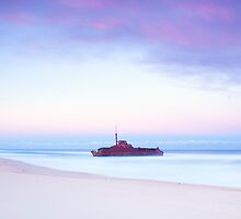 Sygna Shipwreck by rosswoodphoto