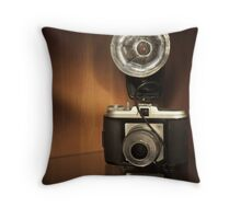The Isola I Throw Pillow