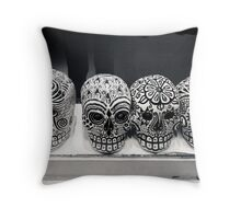 dia de los muertos Throw Pillow