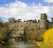Warwick Castle from the river by Steve plowman