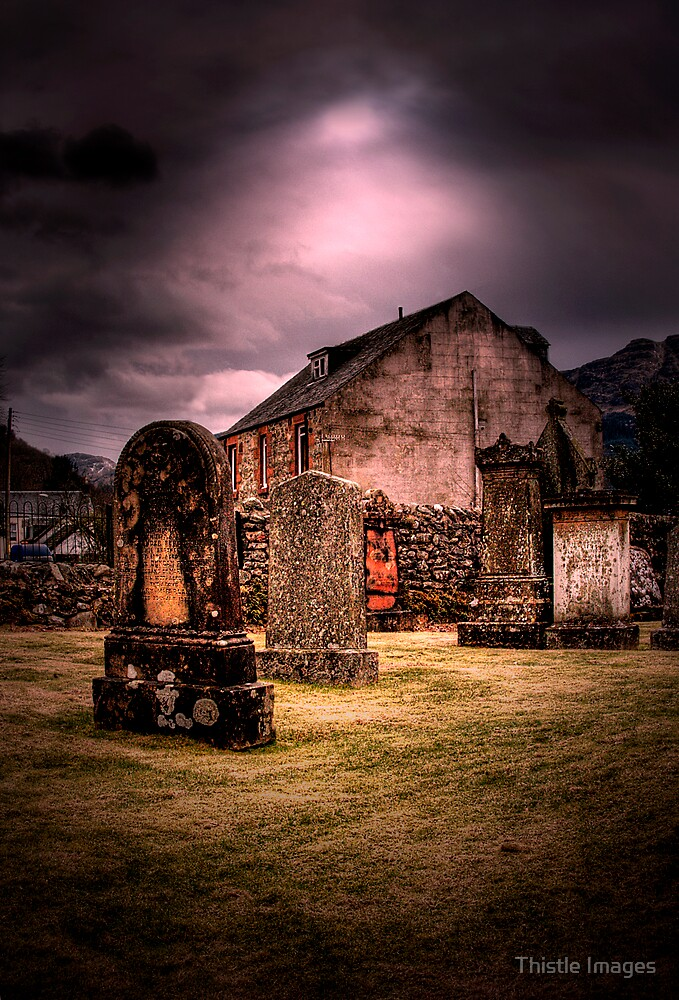 Arrochar Graves by Linda  Morrison