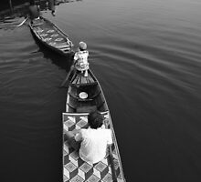 Queuing Canoes  by lemontree