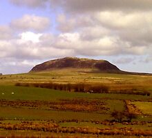 Slemish mountain ... by SNAPPYDAVE